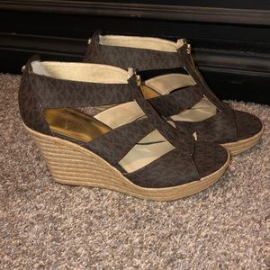 Michael kors sz 10 logo wedges